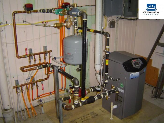 Installation d une chaudiere au gaz de marque lochinvar avec for Isoler chauffe eau garage